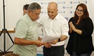 Más de 70 vecinos firmaron los títulos de propiedad de sus viviendas