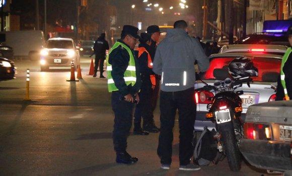 Tras los reclamos de comerciantes y vecinos, la Policía saturó Pilar centro