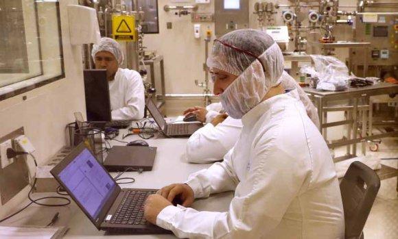 Ducoté y el Ministro Sica recorrieron una empresa del Parque Industrial de Pilar