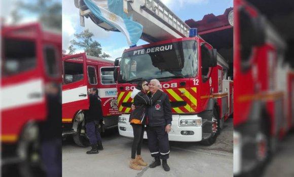 Denuncia que la echaron de la escuela de bomberos por ser lesbiana