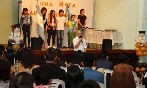 En emotivo acto, egresó la primera promoción de alumnos de la Escuela 20 de Manzanares