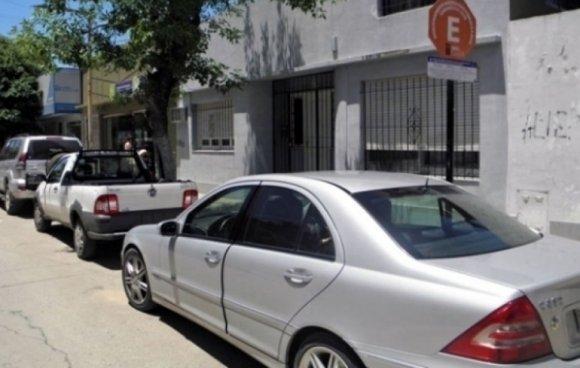 El Municipio podría reducir el horario del estacionamiento medido