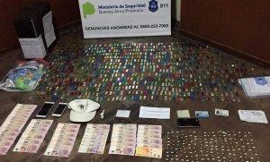 Desbaratan banda de narcotraficantes y secuestran más de 1.500 dosis de cocaína