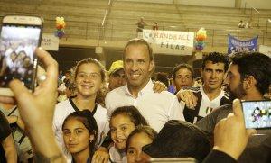 El ex futbolista Navarro Montoya dictará clínicas deportivas el año que viene