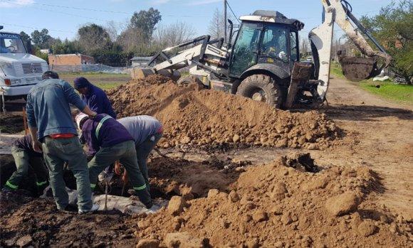 Mejoran calles en dos barrios de la localidad Villa Rosa