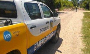 Cables, postes y árboles caídos, las principales emergencias de Defensa Civil