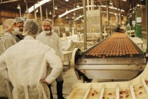 "Ducoté recorrió una planta alimenticia: ""Queremos que el Parque Industrial siga creciendo"""